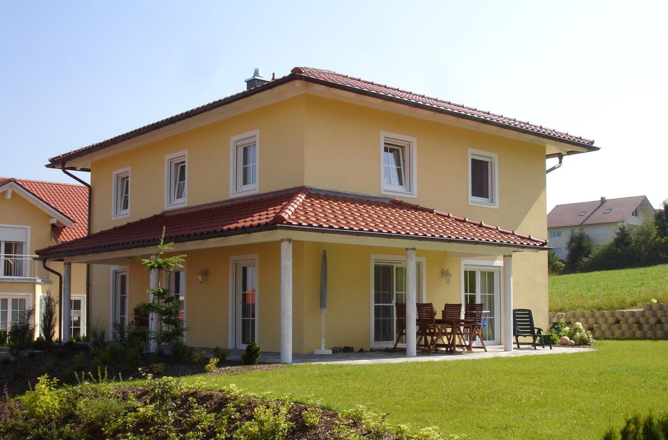 Weitl ufiges toskana haus lucca i kozeny for Haus bauen villa